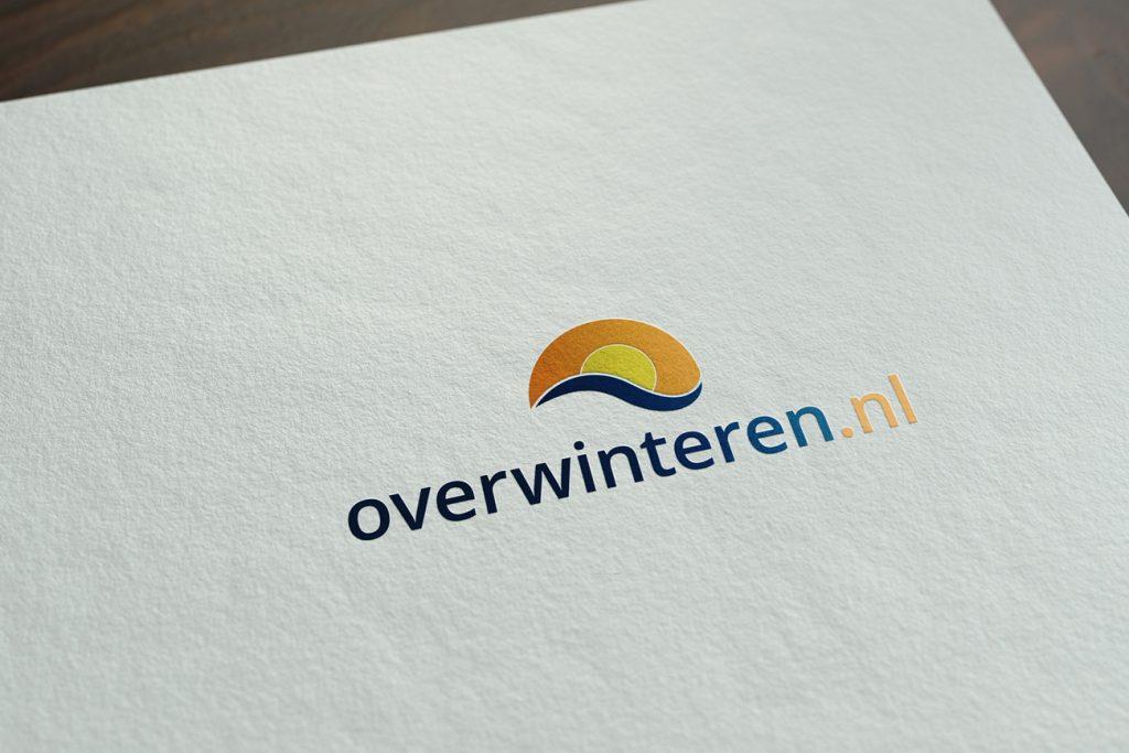 Overwinteren - Logo Design gedrukt op papier