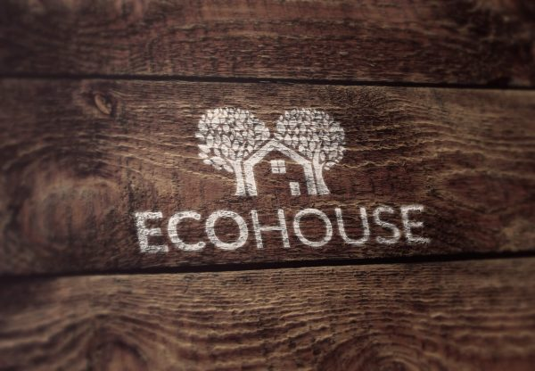 ecohouse ecologisch logo op hout